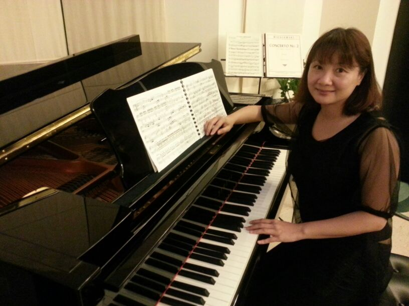 hong kong piano teacher